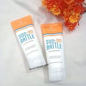 cream brand emina dengan kemasan putih kombinasi orange