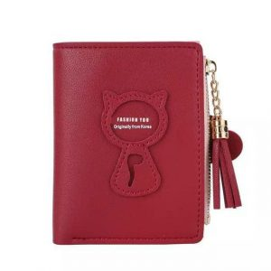 Dompet Warna merah maroon dengan aksesori resleting rumbai