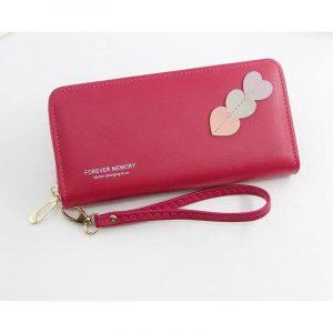 dompet panjang warna merah maroon dengan zip closure