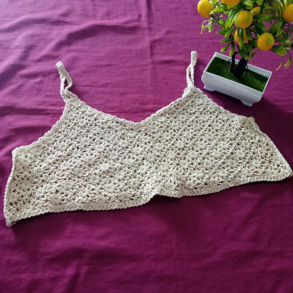 ini adalah Vest Bordir Maya Cream, size: L, material: wool, color: Cream, brand: veststyleindonesia, age_group: all ages, gender: female