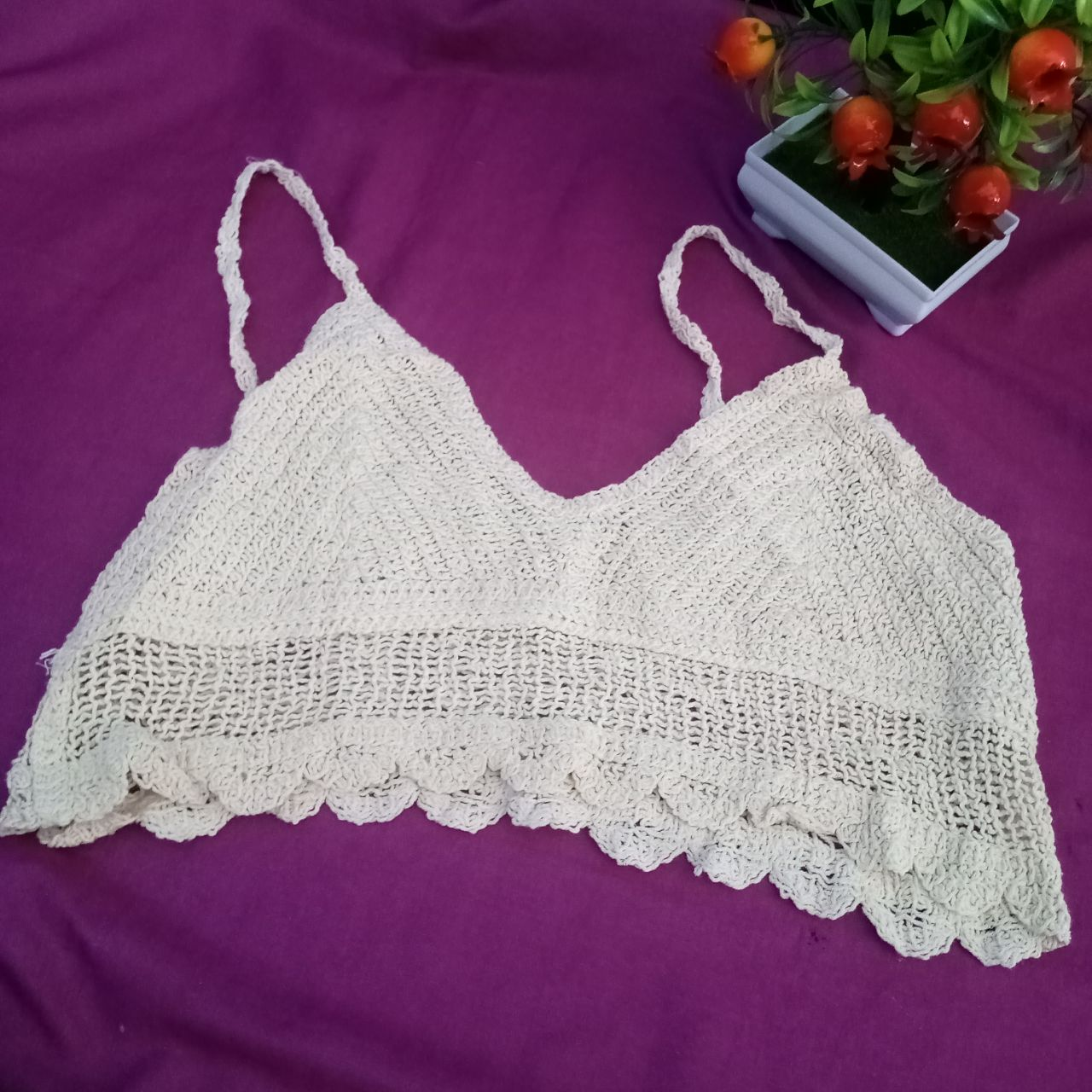 ini adalah Vest Bordir Nofi Cream, size: L, material: wool, color: Cream, brand: veststyleindonesia, age_group: all ages, gender: female