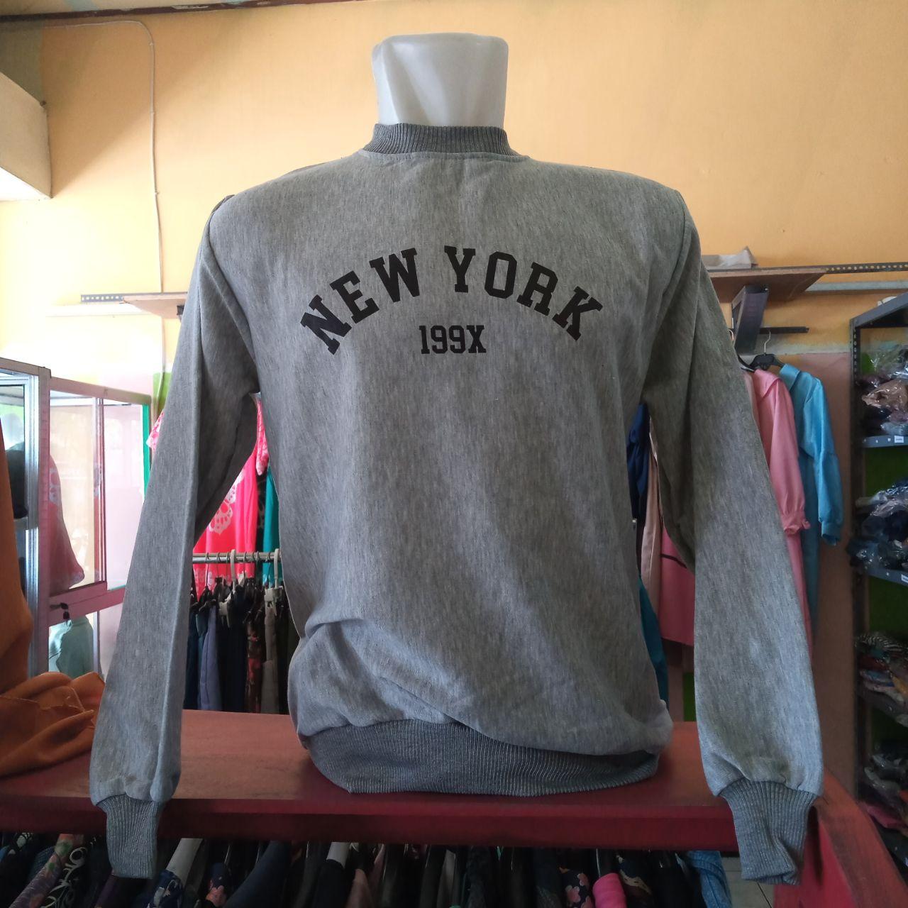 ini adalah Sweater New Abu, size: LD 90cm, Panjang 60cm, material: Fleece, color: Grey, brand: jaketindonesia, age_group: all ages, gender: unisex