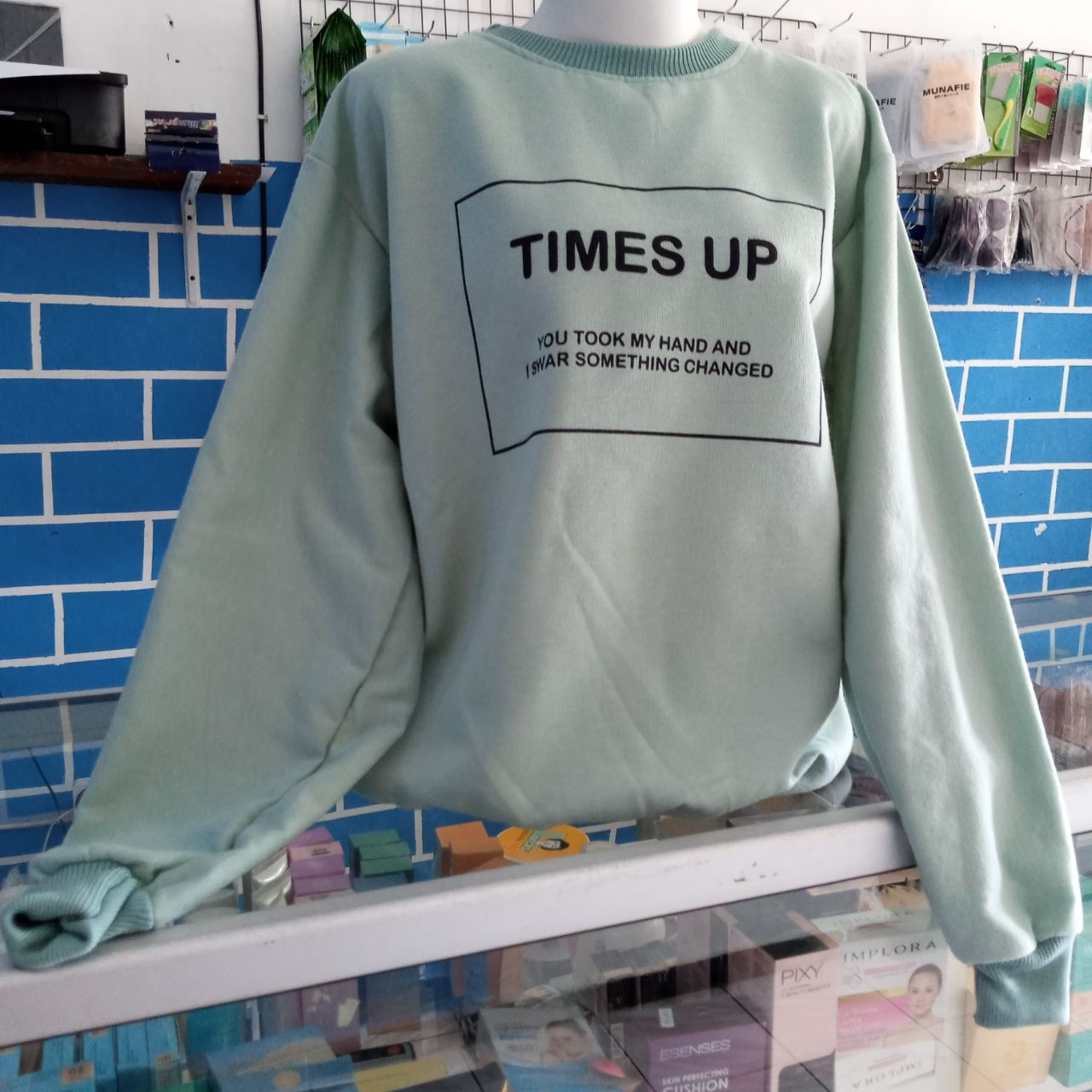 ini adalah Sweater Time Mint, size: LD 90cm, Panjang 60cm, material: Fleece, color: Green mint, brand: jaketindonesia, age_group: all ages, gender: unisex