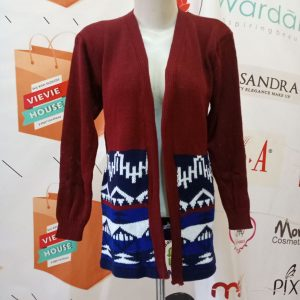 ini adalah Cardy Entika Marun, size: XXL, material: Wol, color: red maroon, brand: Rajut cardy indonesia, age_group: all ages, gender: female