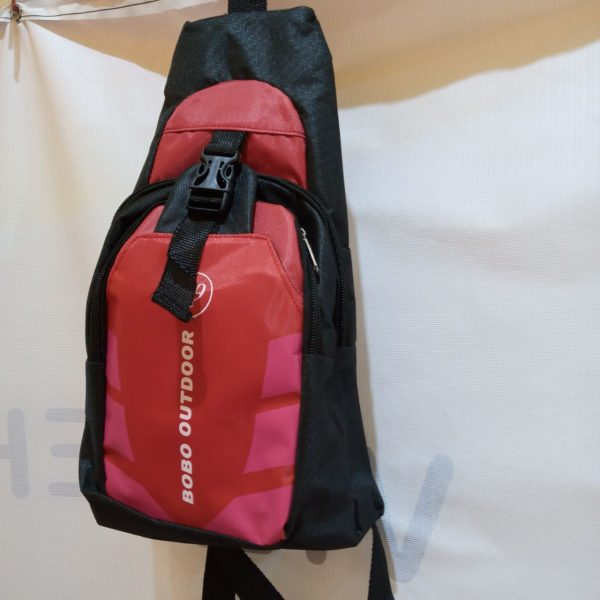 ini adalah Tas Pria Outdoor Merah, size: L, material: Canvas, color: red, brand: taselindonesia, age_group: all ages, gender: male