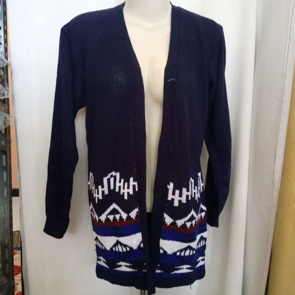 ini adalah Cardy Entika Navy, size: L, material: Wol, color: Nevy, brand: Rajut cardy indonesia, age_group: all ages, gender: female